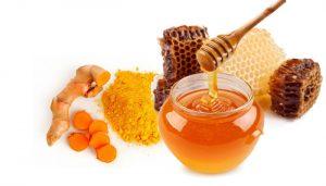 Nghệ và Mật ong được coi là thần dược trong mọi tiến trình chăm sóc sắc đẹp.
