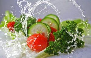 <em> Bệnh bạch biến nên ăn </em> rau diếp để bổ sung dưỡng chất cần thiết cho cơ thể.