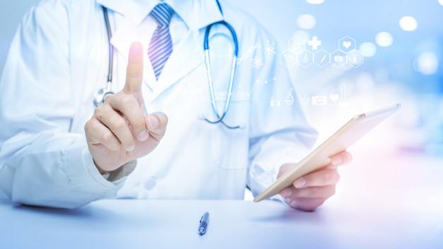 bác sĩ điều trị mụn thịt tphcm